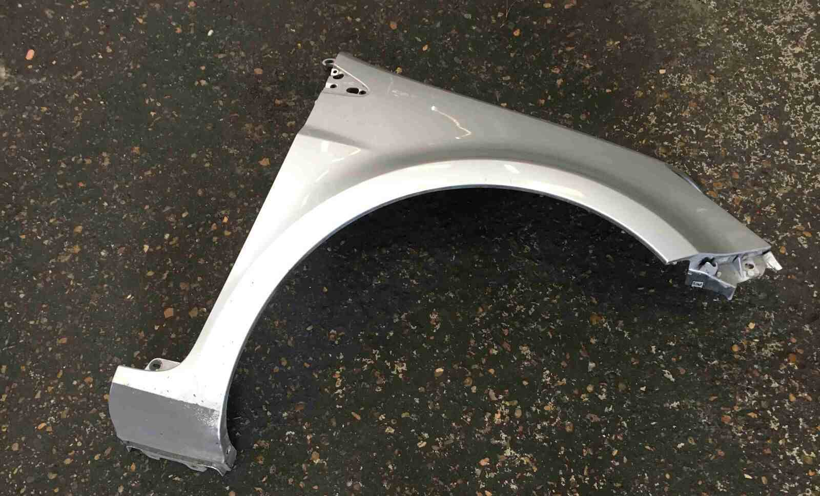 Renault Clio MK3 2005-2012 Drivers OSF Front Wing Silver TED69 195